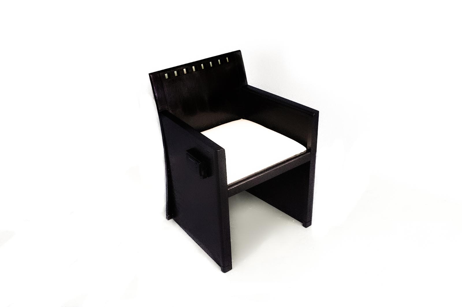 AhmedCalzado_Ponder_ChairShot-1-1